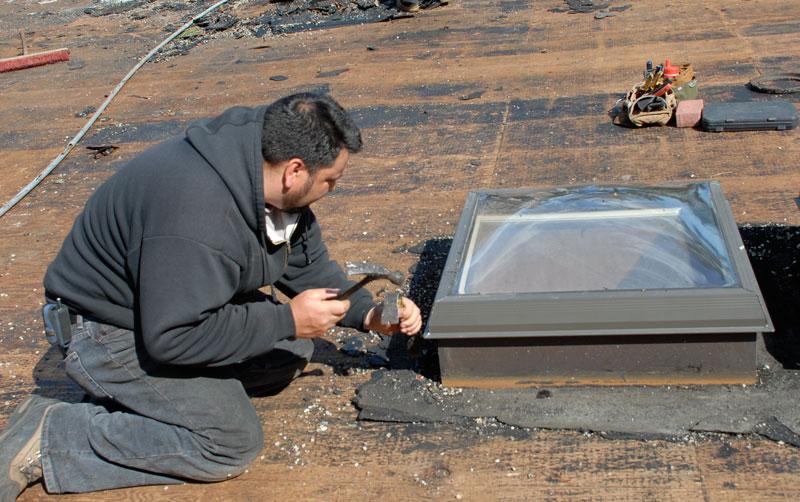 Preparing the flashing of a skylight