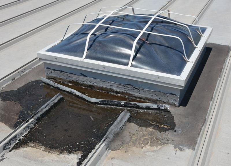 Skylight flashing on a Metal roof
