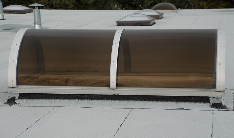 Tunnel skylight on flat roof
