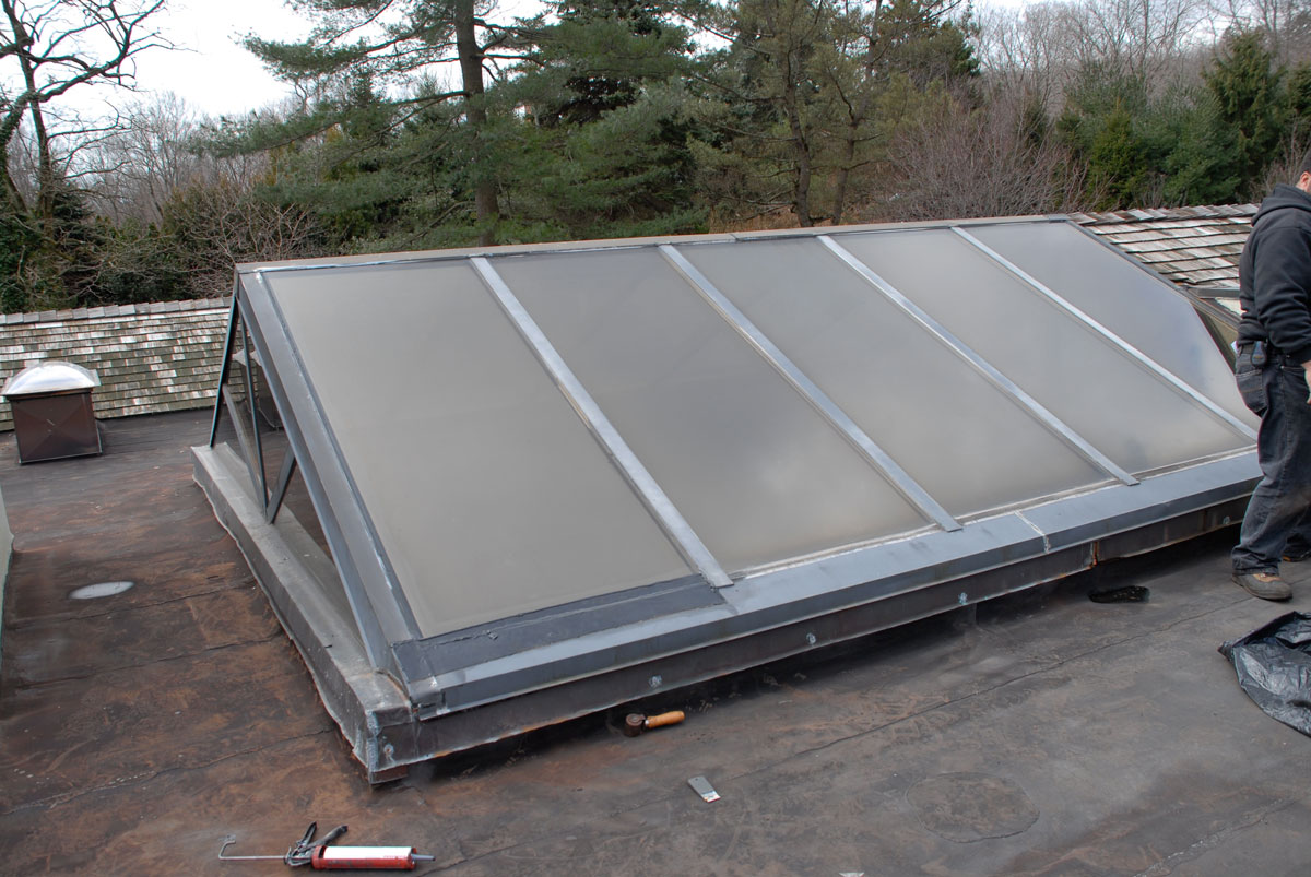 Skylights For Flat Roofs Transition Seal Between Metal And Glass
